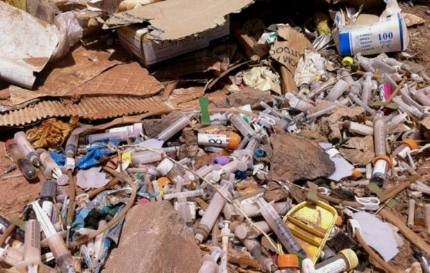 زباله های تیز و برنده و خطرات زیست محیطی